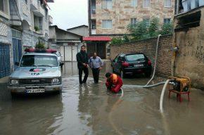 امداد رسانی در سیلاب در بهشهر