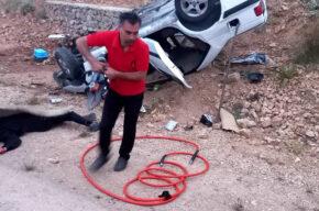انحراف و واژگونی خودروی پژو پارس در روستای سرخگریوه