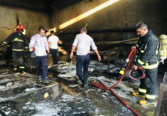 آتش سوزی گسترده در مغازه تجاری